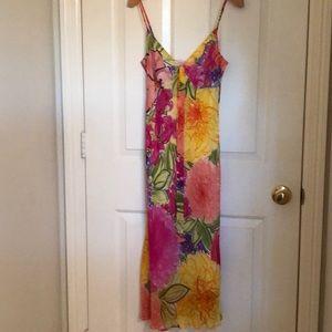 Beautiful sun dress!! 🌻